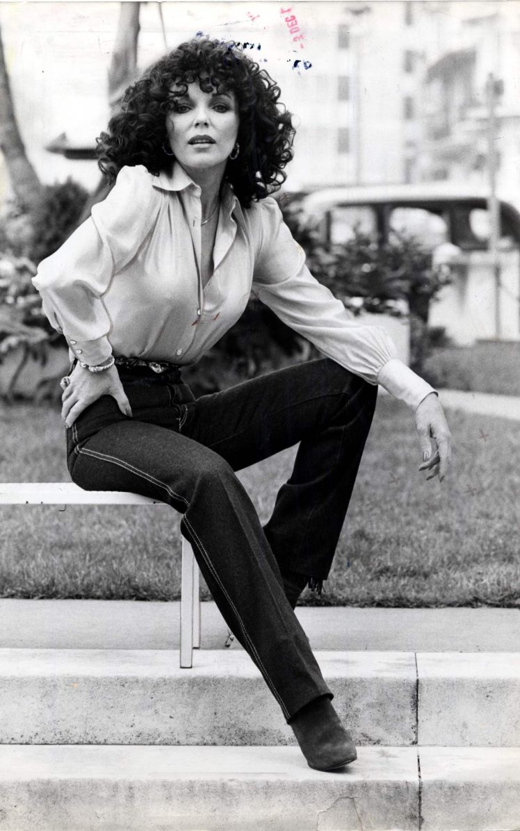 announces-joan-collins-jeans-1981-rexfeatures_1046269a_trans_NvBQzQNjv4BqkEsYvAPboRfboXdCN8pZQbh6OmzV9RdMHCJNdkvQTS0